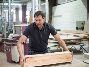 Auch das Material muss ich vorbereiten: Welches Holz muss es sein? Welches Holz wird benötigt?