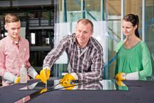 Bayerwald setzt auf Handwerk mit Zukunft und bildet ab September auch im Fenster- und Glasfassadenbau aus.